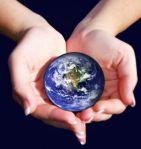 planète mains defemme